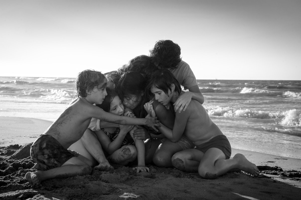 Roma Yalitza Aparicio Alfonso Cuaron Netflix (L to R) Marco Graf as Pepe, Daniela Demesa as Sofi, Yalitza Aparicio as Cleo, Marina De Tavira as Sofia, Diego Cortina Autrey as Toño, Carlos Peralta Jacobson as Paco in Roma, written and directed by Alfonso Cuarón. Photo by Carlos Somonte