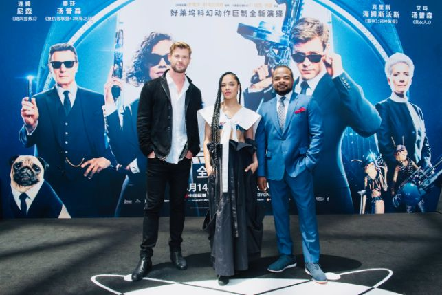 4150bef7eb72 Men In Black Chris Hemsworth, Tessa Thompson, Gary Gray China Hollywood  Insider Jerry Liu