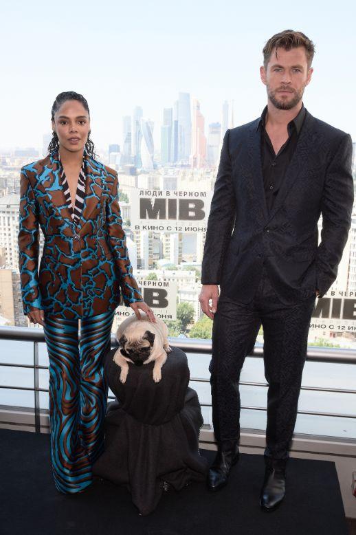 021d1aa8836e Men In Black Chris Hemsworth, Tessa Thompson, Russia Hollywood Insider Oleg  Nikishin