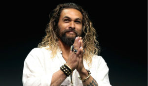 Hollywood Insider praises Jason Momoa for utilizing his platform to defend nature and Mauna Kea in Hawaii supported by Dwayne Johnson and Bruno Mars