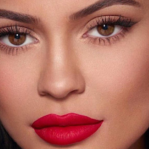 Is Kylie Jenner The Smartest Business Woman Today?  From 'Keeping Up With The Kardashians' To Building her Makeup Empire, She is Unstoppable