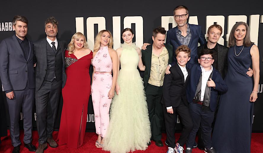 Hollywood Insider Jojo Rabbit, Scarlett Johansson, Taika Waititi, Roman Griffin Davis, Oscars, Golden Globes